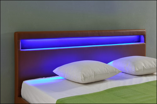 Designer bett mit led neuesten design for Bett mit led